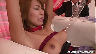 Asian babe toy stimulated and cunt vibed